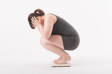 ダイエット停滞期で脂肪は落ちてるけど水分で体重が左右される