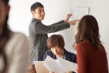 リーダーの育成方法とは|良いリーダーになるためのスキルと研修方法