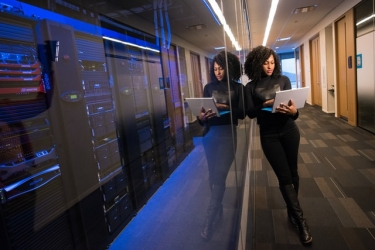 IT業界の変化が激しい理由とは?IT業界の特徴や将来性について