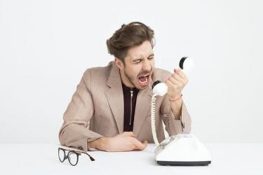 コミュニケーション能力が低いと仕事にどんな障害が出るのか?